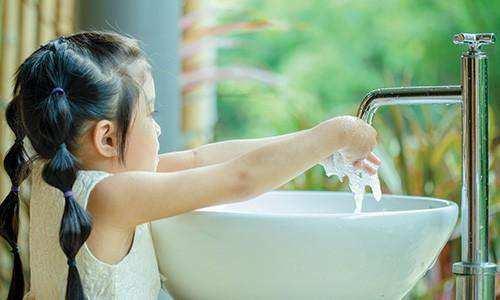 3 Cara Mengajarkan Kesehatan pada Anak Usia Dini