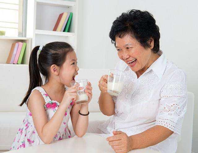 5 Manfaat Minum Susu Sejak Kecil Hingga Dewasa