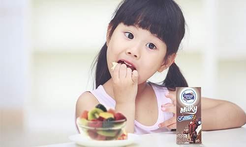 5 Manfaat Minum Susu Siap Minum Frisian Flag  untuk Anak Anda