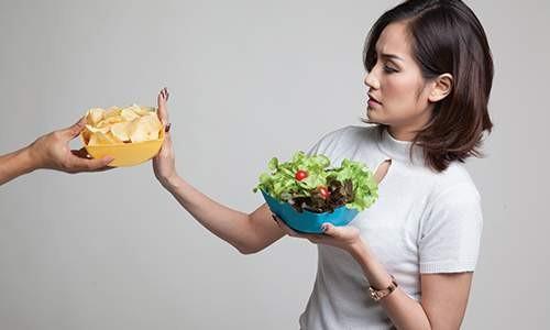 Awas, Makanan dan Minuman Ini Bahaya untuk Kesehatan Gigi Anda!