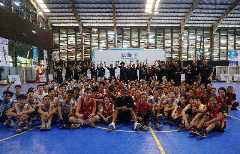 Legenda NBA Mugssy Bogues Dukung Jr. NBA Indonesia Untuk Mencetak Generasi Baru Pemain Basket