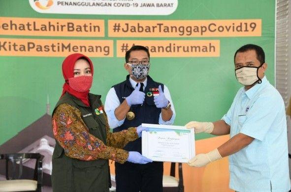 Gubernur Jawa Barat Ridwan Kamil Apresiasi Frisian Flag Indonesia Donasikan 50.000 Produk Susu Siap Minum untuk Warga Jabar