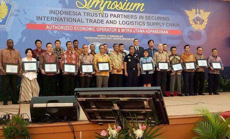 FFI Mendapatkan Sertifikat Authorized Economic Operator (AEO) dari Pemerintah Indonesia
