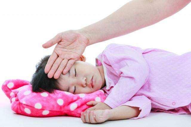 Haruskah Langsung ke Dokter Ketika Anak Demam?