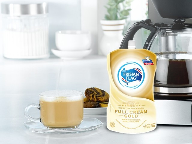 Cara Bikin Kopi Susu Ala Kafe Dengan Frisian Flag