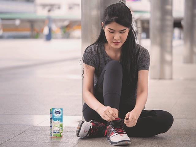 Manfaat Minum Susu di Sore Hari