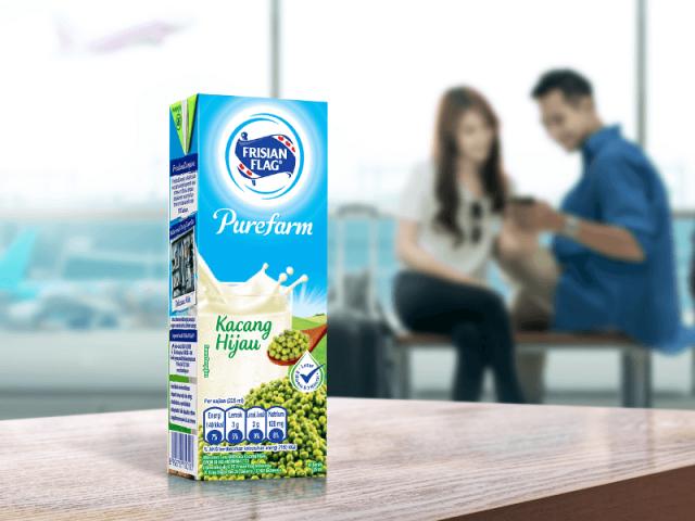 Mengapa Perlu Minum Susu Setelah Naik Pesawat di Malam Hari?