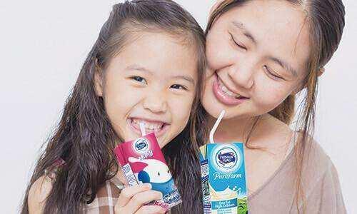 Benarkah Minum Susu UHT Bahaya untuk Anak?