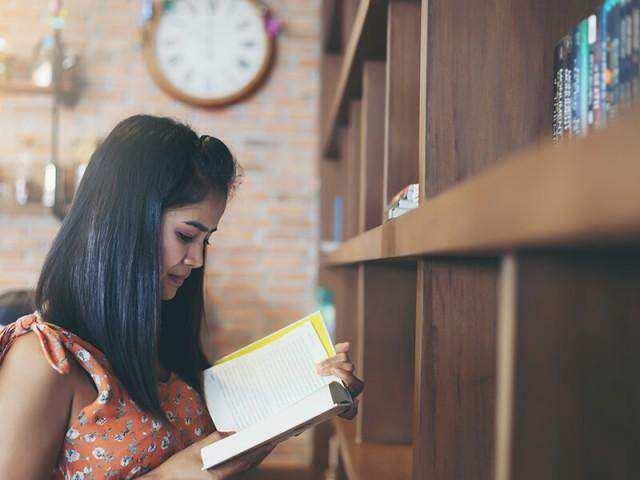 5 Alasan Baca Buku Dapat Meningkatkan Kualitas Tidur