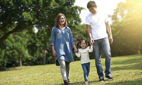 Serunya Berjalan Kaki Dengan Anak
