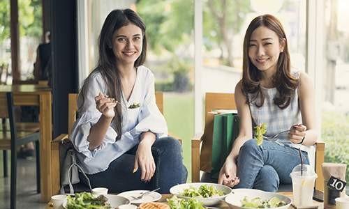 Turun Berat Badan Lebih Banyak dengan Diet Bersama Teman!